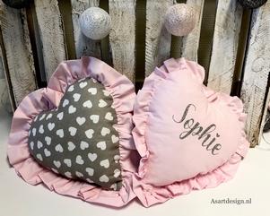 Kussen Met Naam : Leuk voor de kids kussen met naam met textielverf foto geplaatst